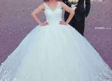 بدلات زفاف للبيع
