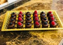 شيف عام تونسي متخصص في الحلويات الغربيه والمعجنات الايطاليه  موجود في جده للتواص