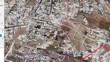 ارض مميزة جداً للبيع مساحة دونم و 45م/ الحويطي 11
