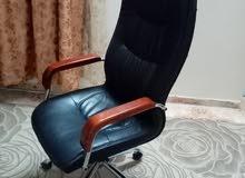 كرسي بذوق رفيع وبحاله جديده سعر في متناول الأيدي