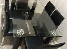 للبيع طقم طاولة وكراسي