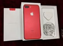 ايفون 7 بلاس 128 جيجا احمر بحاله فوق الممتازه كامل اغراضه الاصليه كالجديد