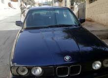 السيارة بحالة جيدة  بدها ترخيص  فحص فيها جيدات بايع ع خالي قص قلبان0777517685