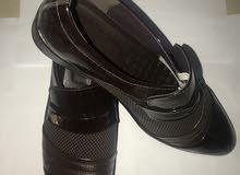 حذاء الاثنين ب 280 متاح .