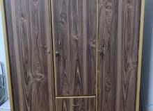 خزانة خشب 3 ابواب للبيع