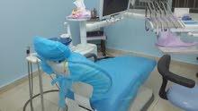 طبيبة اسنان