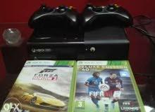 Xbox 360 slim 2 joysticks with fifa 16 and forza horizon 2