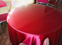 طاوله خشب +زجاج سوكريت مع شرشف