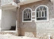 حصريا بيت مسلح بلاطه مساحه لبنتين حر يمتاز بقربه لجميع الخدمات والشارع العام