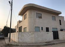 بيت مستقل حجر على شارعين للبيع من المالك مباشرة