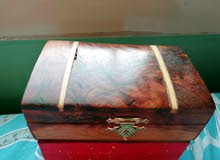 صندوق خشبي جميل بتصميم عصري
