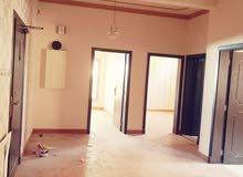 شقة كبيرة ثلاثة غرف غير شامل فى المحرق