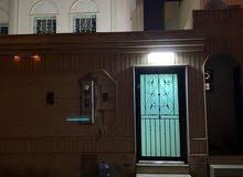 للايجار شقة في فلة حي إشبيليا نظيفة