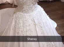 فستان زفاف مستعمل ساعتين فقط