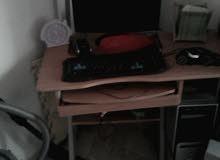 شاشه كبيوتر مع كيس وطاوله  سماعه فار كيبورت