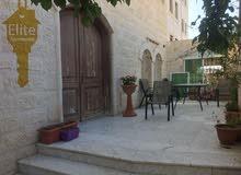 شقه طابق ارضي (طابقيه) للبيع في الاردن - عمان - ضاحيه الرشيد 230 متر