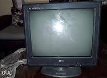 شاشات كمبييوتر عدد 2 شغالات للبيع او للبدل