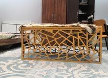 طاولات و كراسي ورفوف بالطلب حديد كوشات عصريه حديثه اسعار ممتازه حسب اللون و الشك