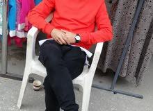 ابحث عن عمل يكون داخل طرابلس بدوام كامل خبرة في المكياج والملابس النسائيه
