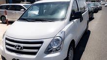للبيع هونداي نص مقفل ونص ركاب 2016