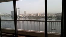 لمحبين الرفاهية والتميز شقة شيك فيو رائع علي النيل من جميع الاتجهات