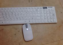 لوحة مفاتيح لاسلكية