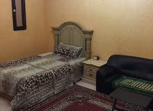 غرفة مفروشة بشقة عزاب بالعقيق على طريق الملك فهد