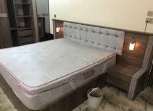 نجّار فنّي نصب وتركيب غرف النوم التركية
