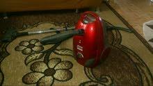 مكنسة سونا 2000 w   فارة   لون أحمر  بحالة جيدة