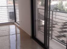 شقة 150 م شبه ارضية مع ترس 100 م وكراج للبيع بالاقساط في البنيات قرب الحصاد التربوي