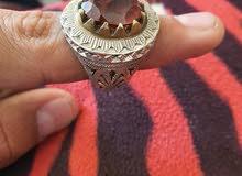 خاتم زولتونايت اصلي مع صياغه جدا جميله السعر 200 مع المجال القليل