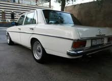 مرسيدس 200 موديل 1976