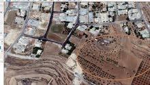أرض مميزة جدا للبيع مساحة دونم و40م/ الحويطي 21