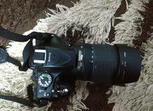 كاميرا نيكون d5200 مع عدسه 18-105