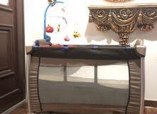 سرير اطفال ماركة gigglies بحالة الجديد