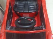 سيارة أطفال كهربائيه للبيع