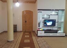 شقه مفروشه للايجار غرفتين وحمام ومطبخ الطابق الاول العنوان بالقرب من سوق النعيري