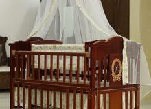 سرير بيبي موديل اسباني فاخر فقط لدى مفروشات الحمود