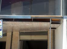 مخازن عدد 2طابقين للايجار مثلث عبين قرب مديرية شرطة عجلون