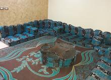 جلسة عربي ضغط 14سم مع طاولاتها و بردايتين و سجادة للبيع
