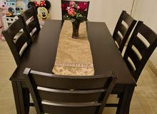 Dining set with 6 chairs for sale طاولة طعام مع 6 كراسي للبيع