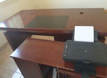 مكتب كبير واخر جانبي