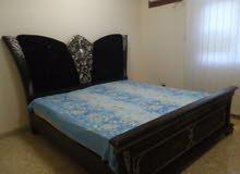 سرير  جميل للبيع بسعر مغري