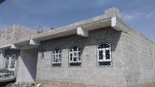بيت مسلح بلاطه 4غرف حمامين مطبخ حوش سيارة للبيع 14مليون