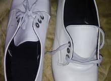حذاء مريحه جدا لجميع الاعمار مقاس 39
