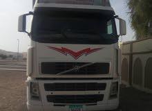 للبيع شاحنة فولفو 460 ابيض