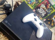 Xbox One in a  condition for sale directly from the owner