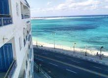 شقة للبيع بقلب مرسي مطروح تصلح للإيجار الصيفي و السكن و الاستثمار