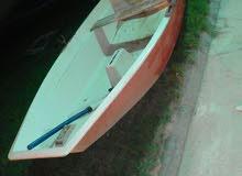 قارب فايبر استعمال نظيف طول 2،80متر