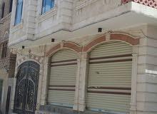 عماره في السوده جوار مدرسة الغشمي شارع 7 متر وشارع 3 متر